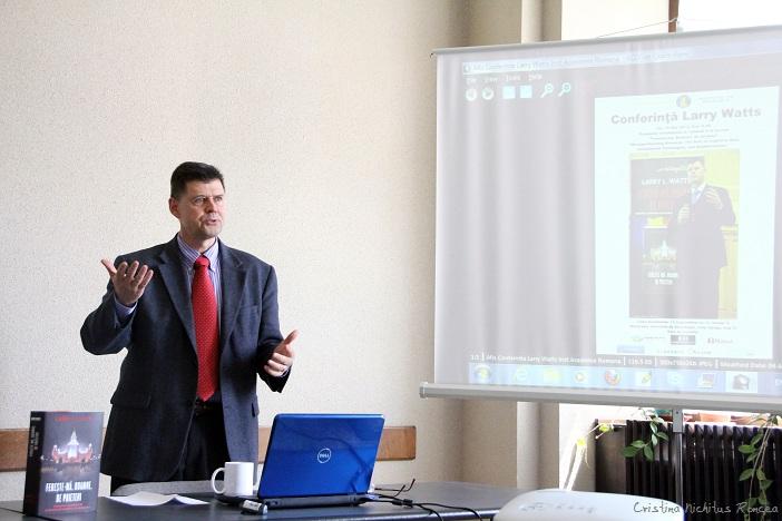 Larry-Watts-la-Institutul-de-Sociologia-al-Academiei-Romane-10.05.2012-Foto-Cristina-Nichitus-Roncea